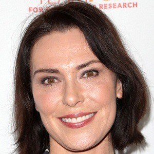 Michelle Forbes 6 of 9