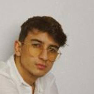 Miguel Alves Headshot 9 of 10