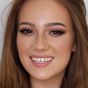 Mihaela Pantea Headshot 3 of 4