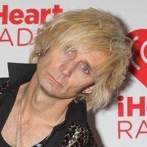 Mike Dirnt 2 of 10
