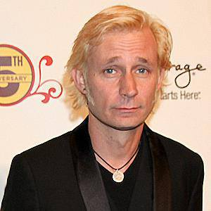 Mike Dirnt 6 of 6