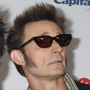 Mike Dirnt 7 of 10