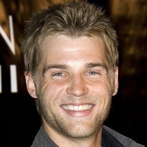 Mike Vogel 8 of 10