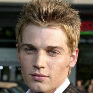 Mike Vogel 9 of 10