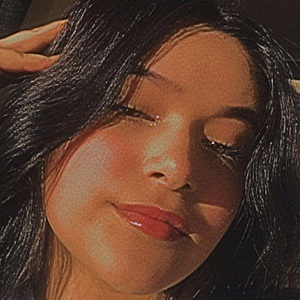 Mildred Estrada Headshot 4 of 10