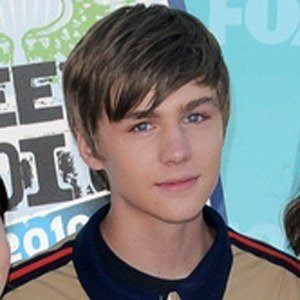 Miles Heizer 3 of 7