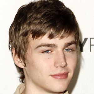 Miles Heizer 6 of 7