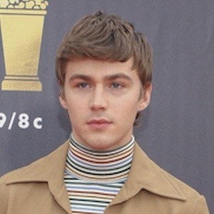 Miles Heizer 7 of 7