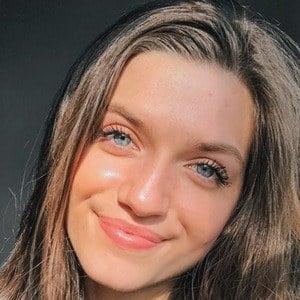 Mimi Drabik 7 of 10