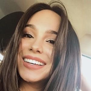 Mirella Bernal 7 of 8