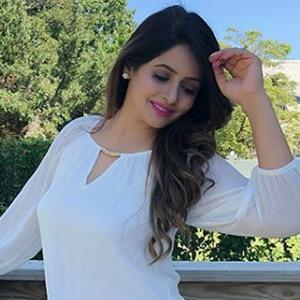 Miss Pooja 5 of 6