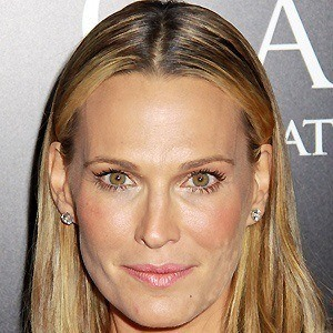 Molly Sims 4 of 10