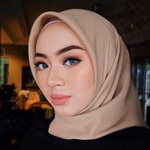 Myra Zainal 3 of 6