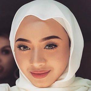 Myra Zainal 4 of 6