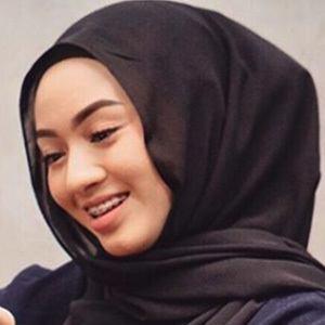 Myra Zainal 5 of 6