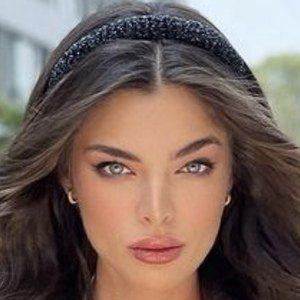 Nadia Ferreira ️ Headshot 5 of 10