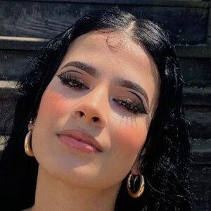 Nadia Zuniga Headshot 3 of 10