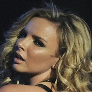 Nadine Coyle 6 of 10