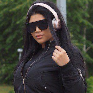 Nadine De Rivera 2 of 2