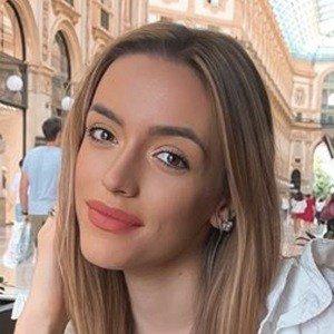 Nadja Stanojevic 7 of 10