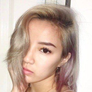 Naomi Neo 8 of 10