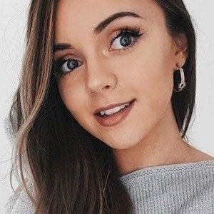 Naomi Victoria 7 of 10