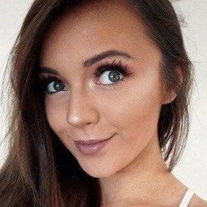 Naomi Victoria 8 of 10