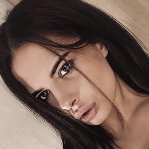 Nastya Shmakova 4 of 6
