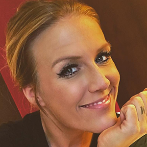 Natalie Horler 5 of 6