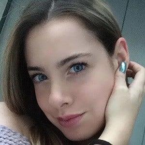 Nataly Ceballos 2 of 5