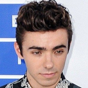 Nathan Sykes 8 of 10