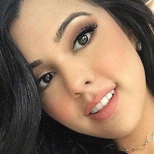Natasha Afzal 3 of 6