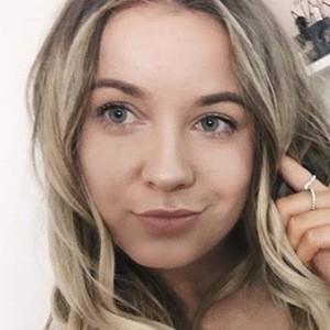 Natasha Mackay 3 of 6