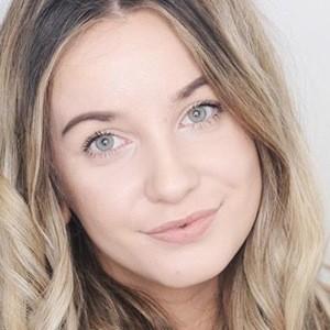 Natasha Mackay 5 of 6
