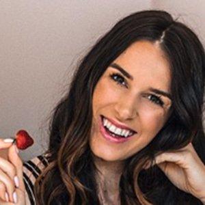 Nathalie Van den Berg 4 of 6