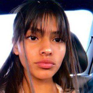 Naylea Valentina 7 of 10