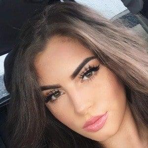 Nazanin Kavari 3 of 9
