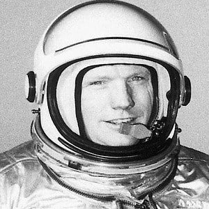 Neil Armstrong 3 of 5