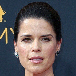 Neve Campbell 6 of 9
