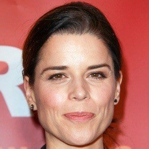 Neve Campbell 7 of 9