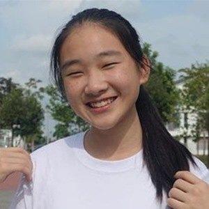 Ng Xin Yi 4 of 6
