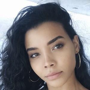 Nickayla Rivera Headshot 7 of 10