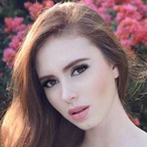 Nicole Aguilar 3 of 5