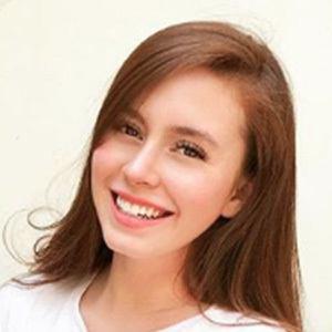 Nicole Aguilar 4 of 5