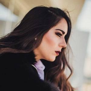 Nicole Durazo 4 of 5