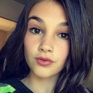 Nicole Kelly 3 of 4