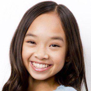 Nicole Laeno 5 of 7
