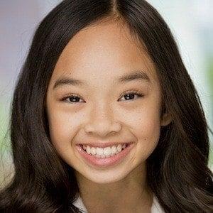 Nicole Laeno 6 of 7