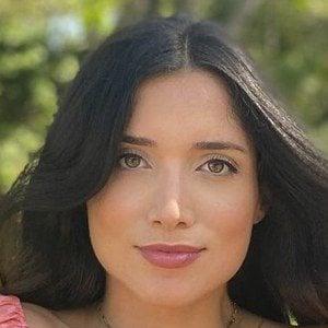 Nicole Lopez-Alvar Headshot 7 of 10