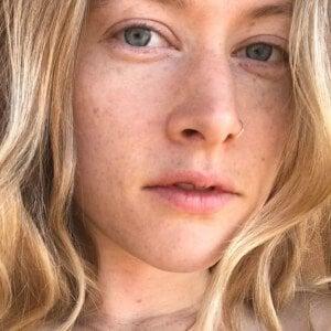 Nicole Row 6 of 10